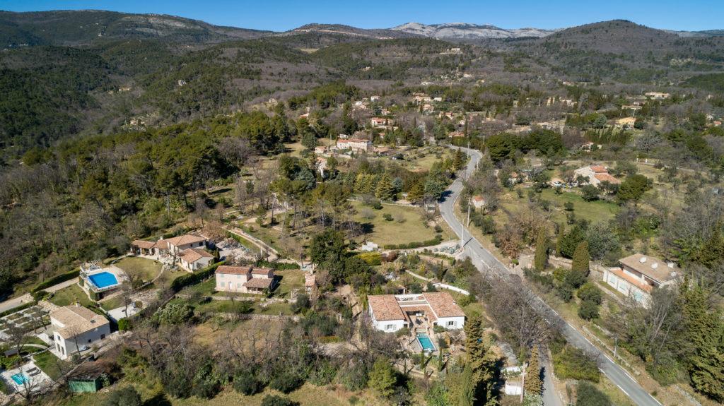 Maison en vente pour l'agence ERA Montauroux sur les hauteurs de Fayence. Pilote de drone-Immobilier-vidéo aérienne